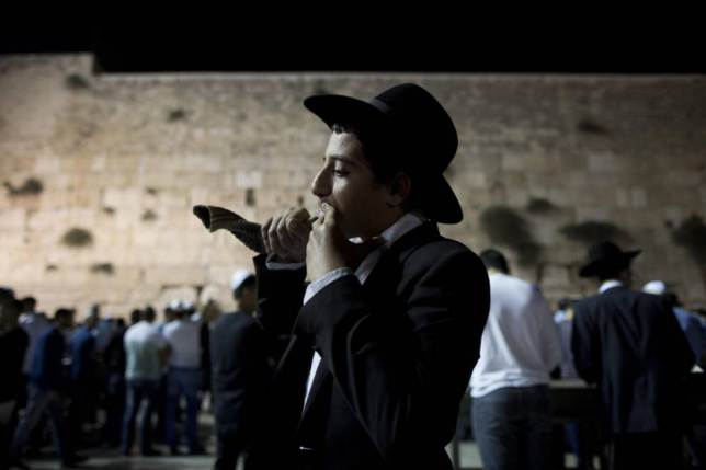 Photo Courtesy: EPA http://metro.co.uk/2014/09/24/what-is-rosh-hashanah-heres-what-you-need-to-know-about-the-jewish-new-year-4880455/